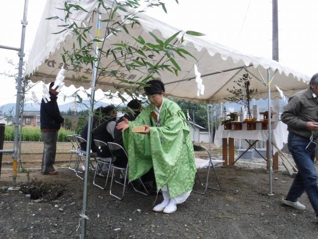 11月22日(火)、東みよし町・M様邸で地鎮祭がありました